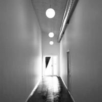 Interiør – Gang Mellem Hal Og Administrationsbygning
